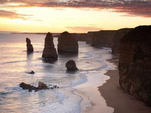 The Twelve Apostles, 5 minutes from Kangaroobie school camp